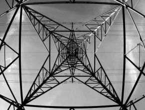 STABILISATEUR DE TENSION ELECTRONIQUE STATIQUE